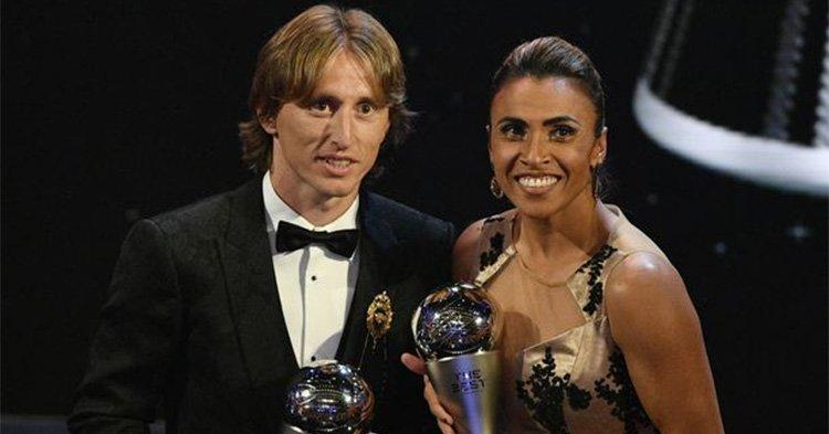 Modricille vuoden pelaajan pysti Messin ja Ronaldon nenän edestä
