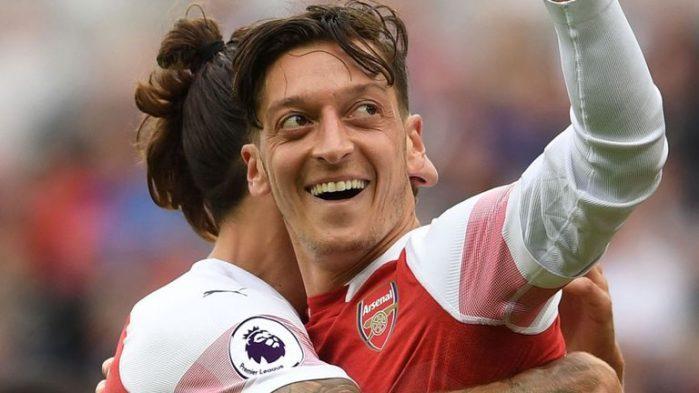 Arsenaalille kymppi täyteen – Özil Klinsmanin rinnalle