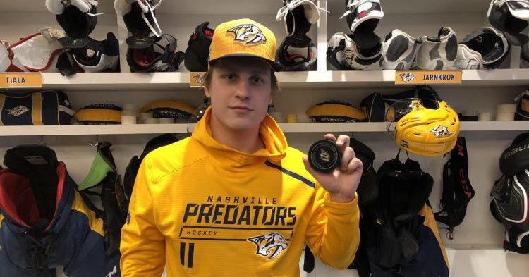 Eeli Tolvanen kutsuttiin vihdoin Nashvilleen – NHL-uran avausmaali näki päivänvalon!