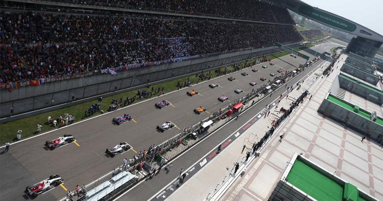 Kauden kolmas F1 -osakilpailu – Tapahtumarikas Kiina!
