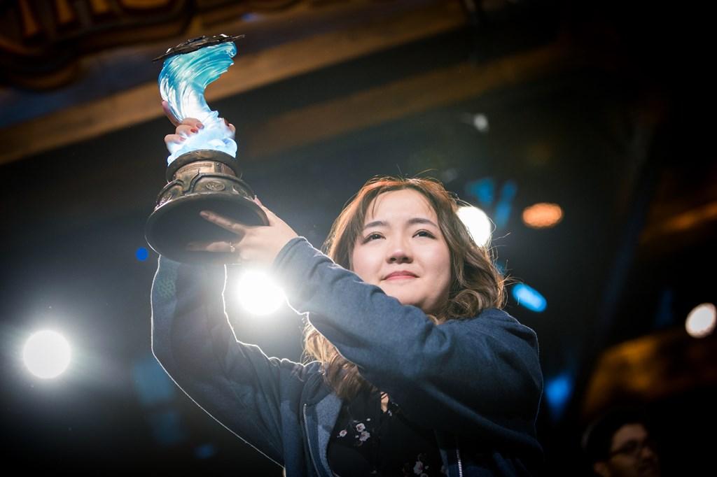 Xiaomeng Li taisteli ensimmäisenä naisena Hearthstonen maailmanykköseksi – Katso tunteikas voittopuhe