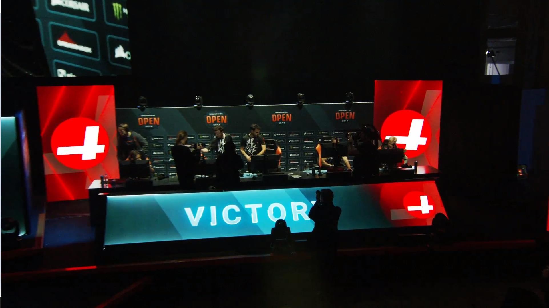 """SJ Gamingille tyly loppu DreamHack Winterissä – Otto """"OttoNd"""" Sihvon CR4ZY jatkaa playoffeihin"""